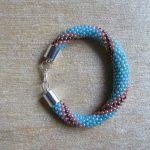 bransoletka z koralików ręcznie robiona biżuteria