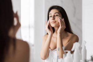 Tonik do twarzy – niezastąpiony dobroczyńca każdego typu skóry